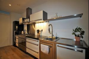 Bekijk appartement te huur in Amsterdam Eerste Schinkelstraat: Apartment - € 1700, 65m2 - 333191