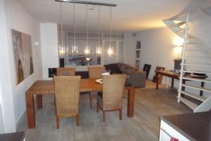 Bekijk appartement te huur in Best Raadhuisplein: Gerenoveerd appartement - € 900, 80m2 - 351523