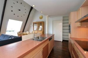 Bekijk appartement te huur in Utrecht Wittevrouwensingel, € 1995, 125m2 - 351711. Geïnteresseerd? Bekijk dan deze appartement en laat een bericht achter!