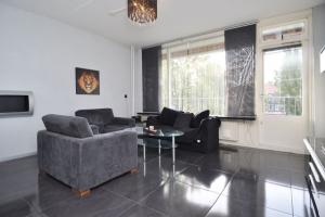 Bekijk appartement te huur in Den Haag Arnold Spoelplein, € 1100, 55m2 - 380090. Geïnteresseerd? Bekijk dan deze appartement en laat een bericht achter!