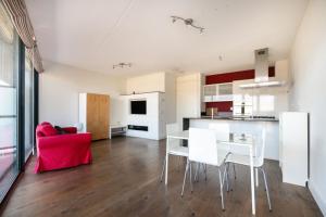 Bekijk appartement te huur in Eindhoven Kromakkerweg, € 1225, 79m2 - 395031. Geïnteresseerd? Bekijk dan deze appartement en laat een bericht achter!