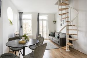 Bekijk appartement te huur in Rotterdam Hoveniersstraat, € 2000, 150m2 - 387355. Geïnteresseerd? Bekijk dan deze appartement en laat een bericht achter!