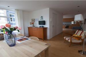 Bekijk appartement te huur in Amsterdam Keizersgracht, € 2250, 110m2 - 351275. Geïnteresseerd? Bekijk dan deze appartement en laat een bericht achter!