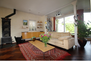 Bekijk woning te huur in Hengelo Ov Spreeuwenstraat, € 995, 150m2 - 301464. Geïnteresseerd? Bekijk dan deze woning en laat een bericht achter!