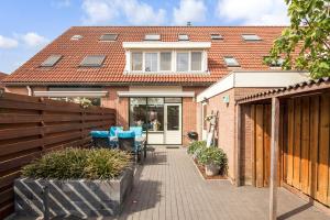 Bekijk woning te huur in Barendrecht V. Beverenvliet, € 1495, 112m2 - 353443. Geïnteresseerd? Bekijk dan deze woning en laat een bericht achter!