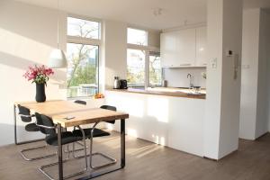 Bekijk appartement te huur in Utrecht Hendrik Tollensstraat, € 1750, 80m2 - 340711. Geïnteresseerd? Bekijk dan deze appartement en laat een bericht achter!