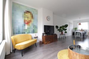Bekijk appartement te huur in Zwolle Hogenkampsweg: Ruim, net afgewerkt 4-kamer appartement met balkon nabij de bi... - € 895, 73m2 - 355101