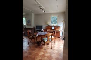 Bekijk woning te huur in Hengelo Ov Berendinastraat: Vrijstaande woning voor onbepaalde tijd te huur - € 750, 120m2 - 327660