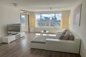 Bekijk appartement te huur in Rotterdam Karel Doormanstraat, € 1800, 240m2 - 370055. Geïnteresseerd? Bekijk dan deze appartement en laat een bericht achter!
