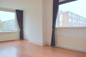 Bekijk appartement te huur in Soest Vermeerlaan, € 1150, 72m2 - 366763. Geïnteresseerd? Bekijk dan deze appartement en laat een bericht achter!