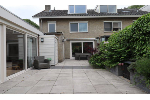 View house for rent in Eindhoven Engelsbergenstraat, € 2295, 230m2 - 366690. Interested? check out this house and leave a message!