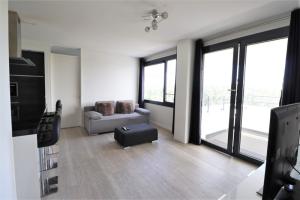 Te huur: Appartement Valkenierslaan, Breda - 1