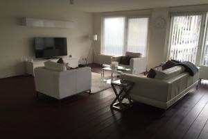 Bekijk appartement te huur in Rotterdam Lodewijk Pincoffsweg: Appartement  - € 1400, 40m2 - 338618