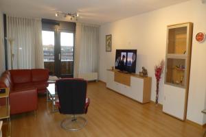 Bekijk appartement te huur in Den Haag Santiagosingel, € 1500, 100m2 - 361873. Geïnteresseerd? Bekijk dan deze appartement en laat een bericht achter!