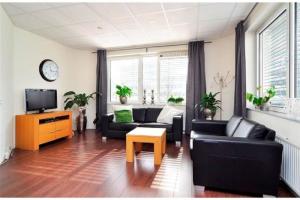 Bekijk appartement te huur in Hoofddorp Saturnusstraat, € 1300, 55m2 - 395914. Geïnteresseerd? Bekijk dan deze appartement en laat een bericht achter!