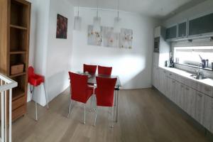 Bekijk appartement te huur in Castricum Fien de la Marstraat, € 1250, 100m2 - 384133. Geïnteresseerd? Bekijk dan deze appartement en laat een bericht achter!