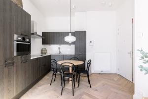 Bekijk appartement te huur in Amsterdam J. Luijkenstraat, € 1800, 40m2 - 365922. Geïnteresseerd? Bekijk dan deze appartement en laat een bericht achter!