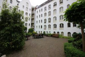 Bekijk appartement te huur in Amsterdam Vierwindenstraat: mooi 2 slaapkamer appartement - € 1950, 84m2 - 347117