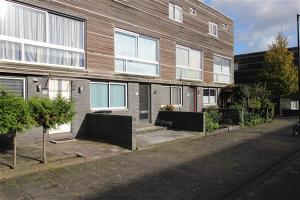 Bekijk woning te huur in Amsterdam Clara Zetkinstraat, € 1100, 70m2 - 323048. Geïnteresseerd? Bekijk dan deze woning en laat een bericht achter!