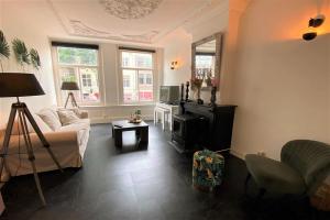 Bekijk appartement te huur in Amsterdam Oudezijds Achterburgwal, € 1650, 55m2 - 394555. Geïnteresseerd? Bekijk dan deze appartement en laat een bericht achter!