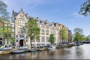 Bekijk appartement te huur in Amsterdam Herengracht, € 3750, 130m2 - 333011. Geïnteresseerd? Bekijk dan deze appartement en laat een bericht achter!