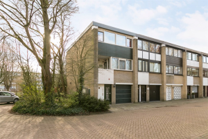 Bekijk woning te huur in Amsterdam Amerbos, € 1800, 103m2 - 336352. Geïnteresseerd? Bekijk dan deze woning en laat een bericht achter!