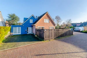Bekijk woning te huur in Lelystad Botter 39, € 1600, 250m2 - 386853. Geïnteresseerd? Bekijk dan deze woning en laat een bericht achter!