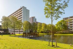 Bekijk kamer te huur in Rotterdam P. 1953, € 495, 16m2 - 357965. Geïnteresseerd? Bekijk dan deze kamer en laat een bericht achter!