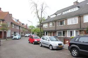View house for rent in Wassenaar Hyacinthstraat, € 1500, 150m2 - 304207. Interested? check out this house and leave a message!
