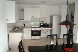 Bekijk appartement te huur in Duivendrecht In de Papiermolen, € 1655, 115m2 - 333901. Geïnteresseerd? Bekijk dan deze appartement en laat een bericht achter!