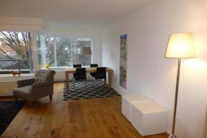 For rent: Apartment Burgemeester Patijnlaan, Den Haag - 1