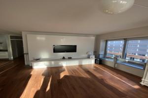 Bekijk appartement te huur in Amsterdam Pieter Calandlaan, € 2100, 100m2 - 379922. Geïnteresseerd? Bekijk dan deze appartement en laat een bericht achter!
