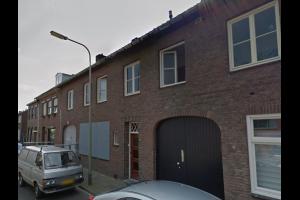 Bekijk kamer te huur in Maastricht Dampstraat, € 420, 18m2 - 333431. Geïnteresseerd? Bekijk dan deze kamer en laat een bericht achter!