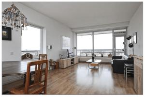 Bekijk appartement te huur in Utrecht Van Weerden Poelmanlaan, € 1295, 80m2 - 381985. Geïnteresseerd? Bekijk dan deze appartement en laat een bericht achter!