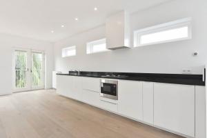 Bekijk appartement te huur in Den Haag Luxemburgstraat, € 1650, 121m2 - 376363. Geïnteresseerd? Bekijk dan deze appartement en laat een bericht achter!