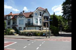 Bekijk appartement te huur in Hilversum Lage Naarderweg, € 725, 35m2 - 289238. Geïnteresseerd? Bekijk dan deze appartement en laat een bericht achter!