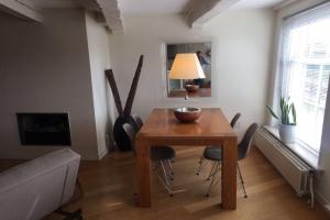 Bekijk appartement te huur in Amsterdam Singel, € 2150, 95m2 - 355807. Geïnteresseerd? Bekijk dan deze appartement en laat een bericht achter!