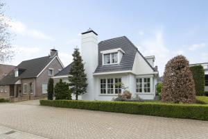 Bekijk woning te huur in Heeze De Koperslager, € 2450, 260m2 - 372495. Geïnteresseerd? Bekijk dan deze woning en laat een bericht achter!