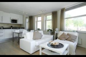 Bekijk appartement te huur in Amsterdam Prins Hendrikkade, € 1800, 80m2 - 298621. Geïnteresseerd? Bekijk dan deze appartement en laat een bericht achter!