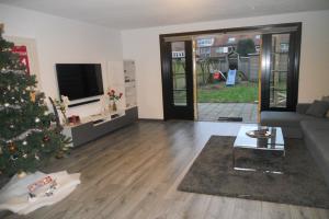 Bekijk woning te huur in Hilversum Merelstraat, € 1500, 150m2 - 357405. Geïnteresseerd? Bekijk dan deze woning en laat een bericht achter!