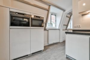 Bekijk appartement te huur in Amsterdam Jonge Roelensteeg, € 1850, 93m2 - 390083. Geïnteresseerd? Bekijk dan deze appartement en laat een bericht achter!