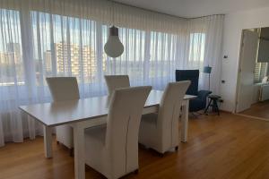 Bekijk appartement te huur in Den Bosch Sweelinckplein, € 1195, 63m2 - 377515. Geïnteresseerd? Bekijk dan deze appartement en laat een bericht achter!