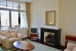 Bekijk kamer te huur in Den Haag Frederik Hendriklaan, € 550, 10m2 - 394595. Geïnteresseerd? Bekijk dan deze kamer en laat een bericht achter!