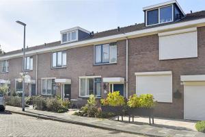 Bekijk woning te huur in Rotterdam Onzenoord, € 1200, 130m2 - 378651. Geïnteresseerd? Bekijk dan deze woning en laat een bericht achter!
