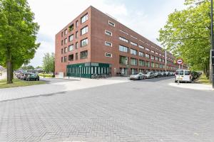 Bekijk appartement te huur in Amsterdam Bijlmerdreef, € 1750, 80m2 - 346950. Geïnteresseerd? Bekijk dan deze appartement en laat een bericht achter!