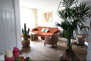 Bekijk woning te huur in Tilburg Eilenbergstraat, € 1295, 125m2 - 335778. Geïnteresseerd? Bekijk dan deze woning en laat een bericht achter!