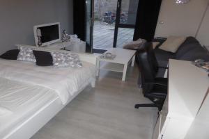 Bekijk studio te huur in Tilburg Veldhovenring, € 669, 25m2 - 376523. Geïnteresseerd? Bekijk dan deze studio en laat een bericht achter!