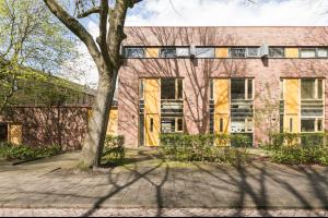 Bekijk woning te huur in Groningen Resedastraat: Prachtig ruime hoekwoning nabij binnenstad en UMCG beschikbaar... - € 1200, 114m2 - 315043