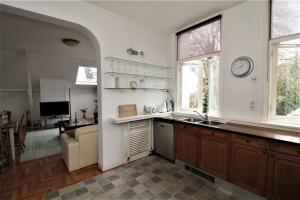 Bekijk appartement te huur in Rijswijk Zh Herenstraat, € 1450, 75m2 - 379686. Geïnteresseerd? Bekijk dan deze appartement en laat een bericht achter!