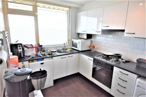 Bekijk appartement te huur in Den Haag Nieuwendamlaan, € 1299, 95m2 - 376866. Geïnteresseerd? Bekijk dan deze appartement en laat een bericht achter!